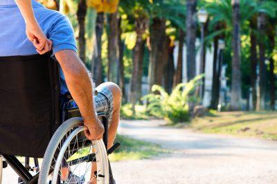¿Qué síntomas tiene la esclerosis múltiple?