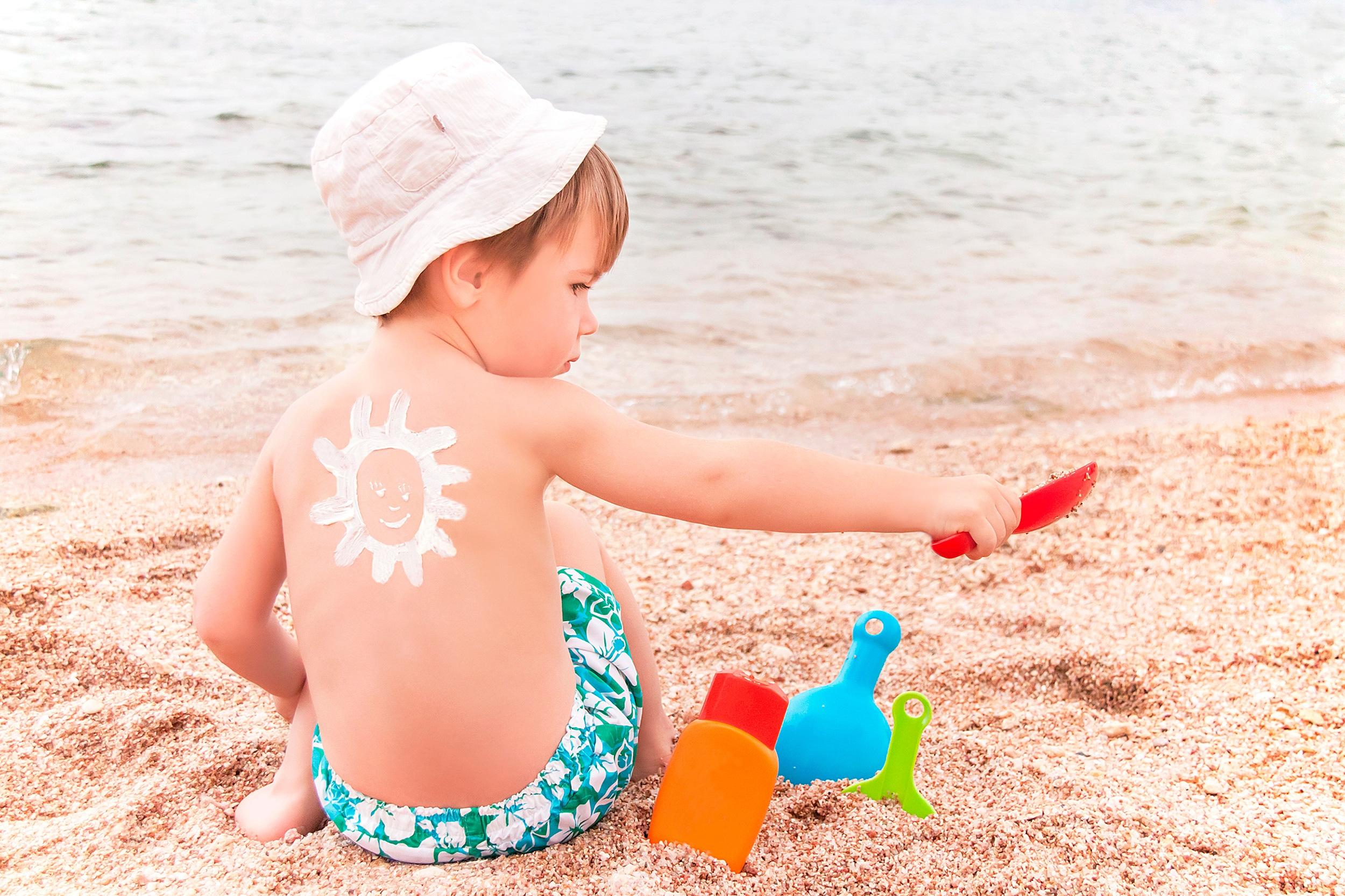 Los menores de un año nunca deben exponerse directamente al sol.